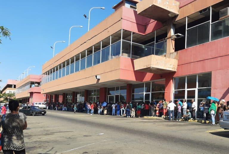 Distrust of the Bolivar Prompts Venezuelans to Seek Sound Money - Distrust of the Bolivar Prompts Venezuelans to Seek Sound Money