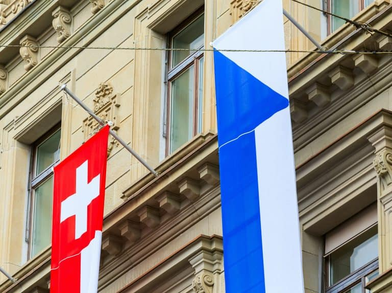 Swiss Banks Team With Fintechs to Enter the Crypto Space - Swiss Banks Team With Fintechs to Enter the Crypto Space